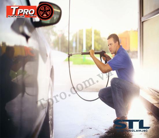 rửa xe ô tô cho gia đình