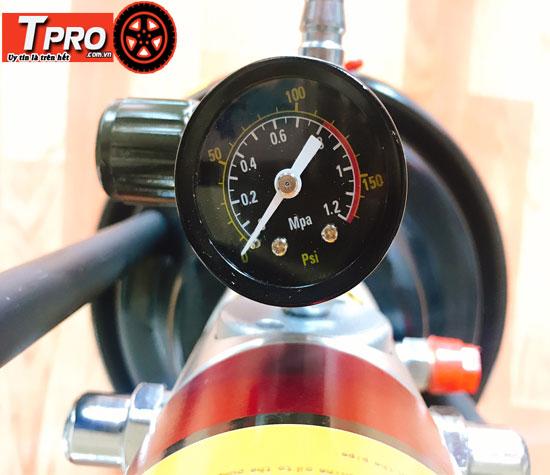 Đồng hồ đo áp suất chuyên nghiệp
