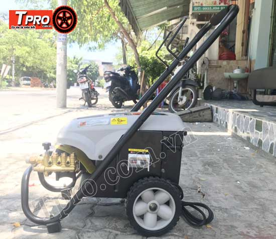 máy rửa xe cao áp lt6mb